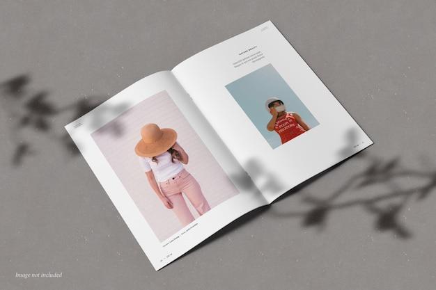 Brochura e maquete de catálogo com sobreposição de sombra
