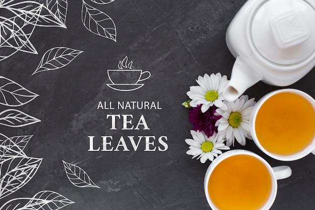 Bule e xícaras de chá com maquete