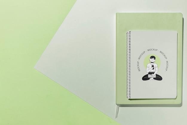 Caderno com vista superior e espaço de cópia