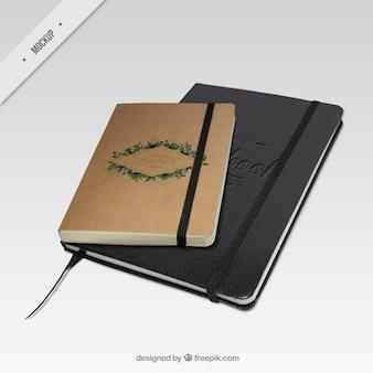 Cadernos elegantes e vintage mockups