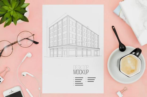 Café e maquete de arquitetura com vista superior ao ar livre