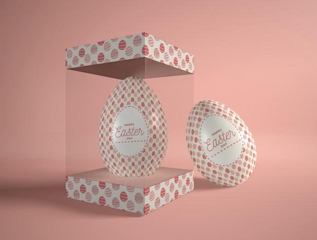 Caixa transparente de alto ângulo com ovo de páscoa