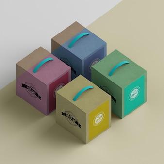 Caixas de papelão estilo isométrico de alto ângulo Psd Premium