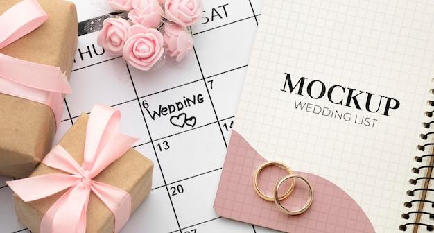 Camada plana da bela maquete do conceito de casamento