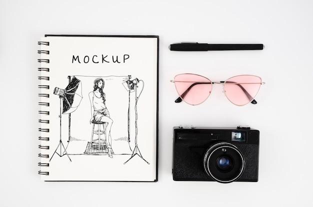 Câmera de vista superior e arranjo de notebook