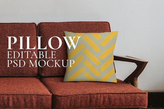 Capa de almofada maquete psd com padrão abstrato de macarrão na decoração da casa do sofá