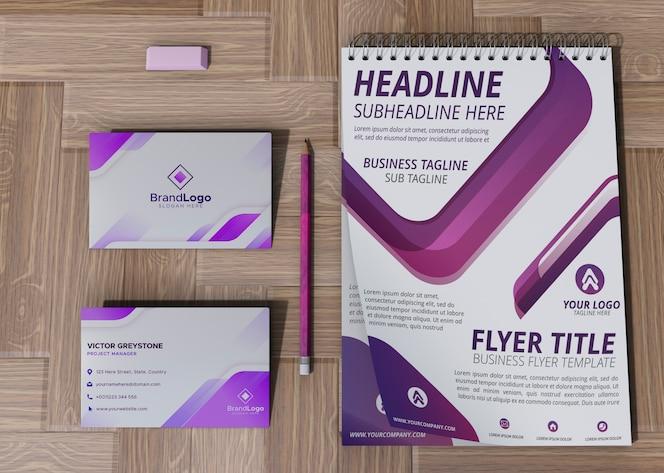 Cartão de escritório e bloco de notas marca empresa mock-up papel de negócios