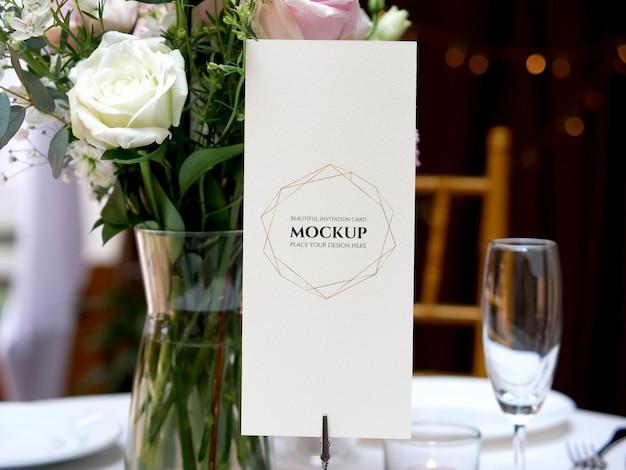 Cartão de maquete para configuração de mesa de casamento Psd Premium