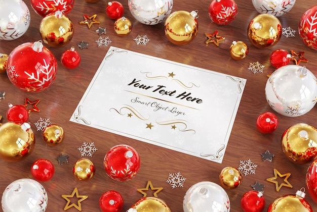 Cartão de natal na superfície de madeira com enfeites de natal mockup