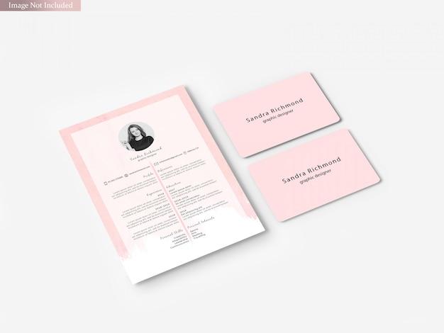 Cartão de visita com maquete de panfleto a4
