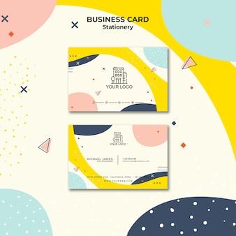 Cartão de visita com modelo de cor pastel