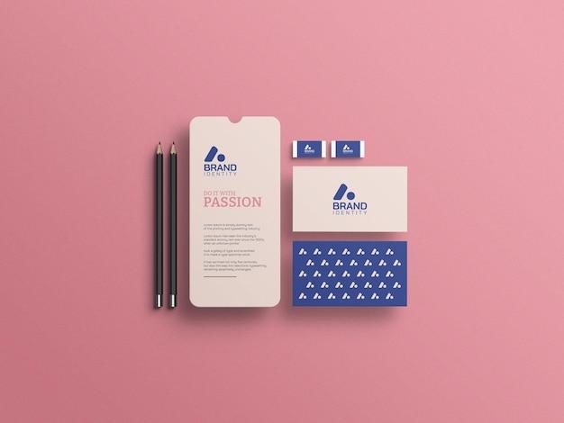 Cartão de visita de identidade visual com maquete de tela do celular