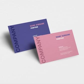 Cartão de visita de luxo em tom rosa com vista frontal e traseira