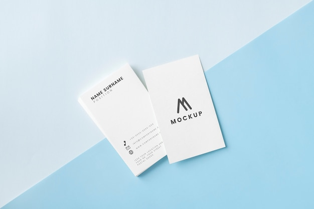 Cartão de visita e maquete de cartão de nome