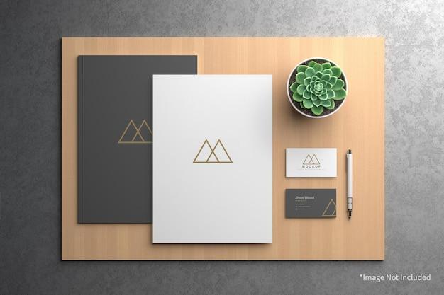 Cartão de visita elegante com maquete de papel a4