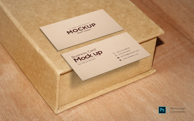 Cartão de visita na caixa modelo de design de maquete