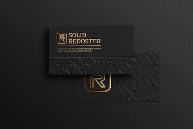 Cartão de visita preto escuro com maquete do logotipo