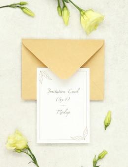 Cartão do convite com envelope