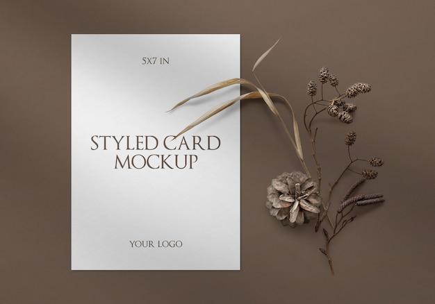 Cartão estilizado com maquete de sombra