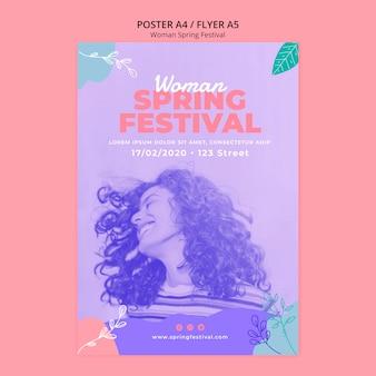 Cartaz com festival de primavera de mulher