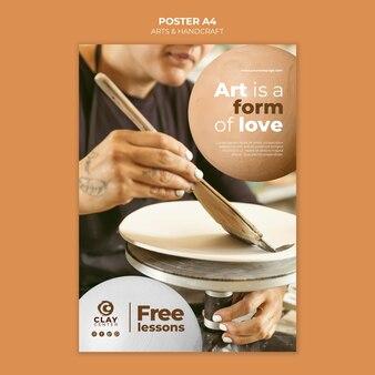 Cartaz de aulas gratuitas de artes e artesanato