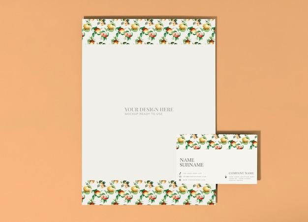 Cartaz de frutas vintage e maquete de cartão de visita