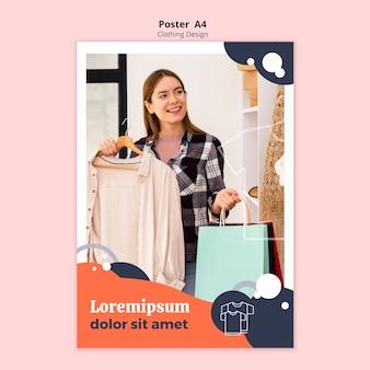 Cartaz de loja de roupas com mulher segurando sacos de papel