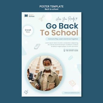 Cartaz vertical de volta às aulas com foto