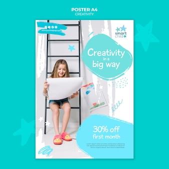 Cartaz vertical para crianças criativas se divertindo