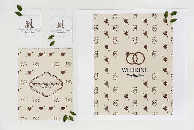 Cartões de convite de casamento com configuração plana