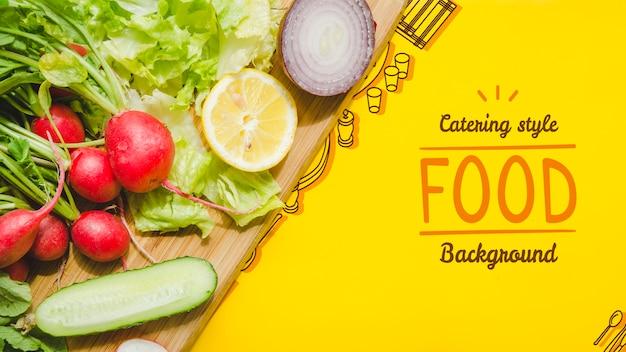 Catering comida preparada com legumes frescos