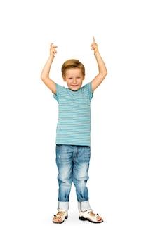 Caucasiano, etnicidade, menino, segurando, painél publicitário