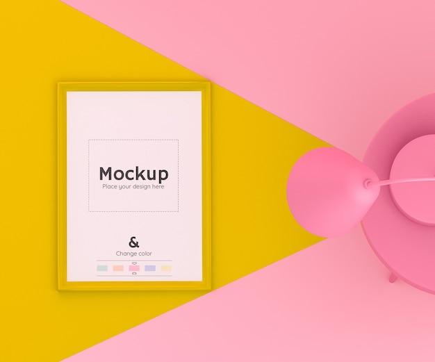 Cena 3d rosa e amarela com uma lâmpada iluminando um telefone celular no chão e em cores editáveis