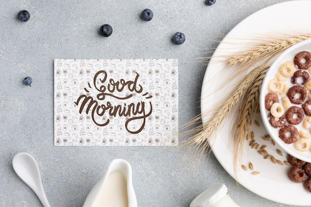 Cereais e café da manhã com leite em casa