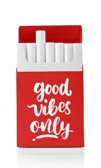 Cigarro em uma maquete de caixa