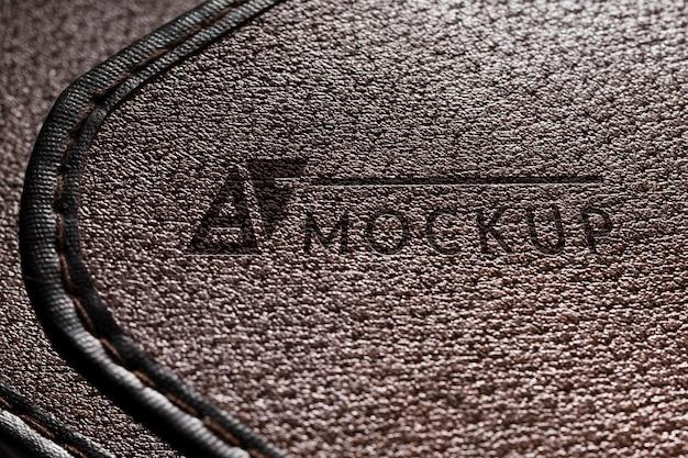 Close da superfície de couro com pontos costurados