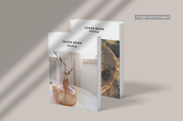 Close nas capas de diferentes modelos de livros