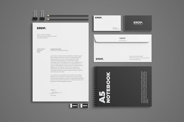 Close-up em stationery mockup isolated