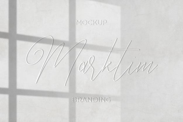 Close-up em uma maquete simples e elegante na parede