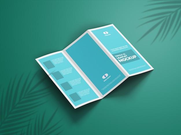 Close-up na brochura de maquete com três dobras