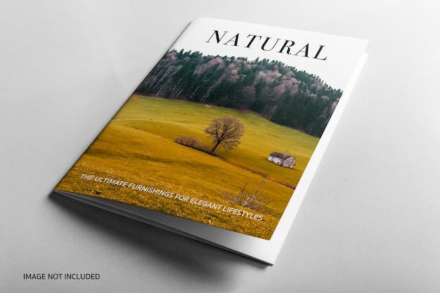 Close-up na capa do livro natural maquete