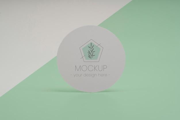 Close-up na maquete do círculo flyer design