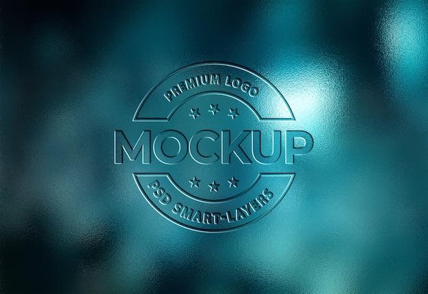 Close-up na maquete do logotipo gravado Psd Premium