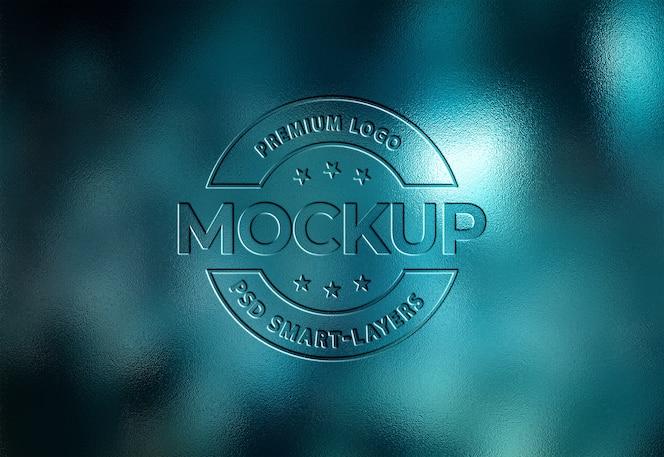 Close-up na maquete do logotipo gravado