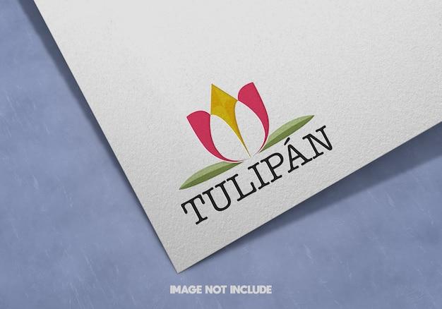 Close-up na maquete do logotipo na textura de papel branco