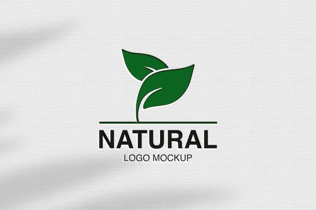 Close-up no design da maquete do logotipo natural