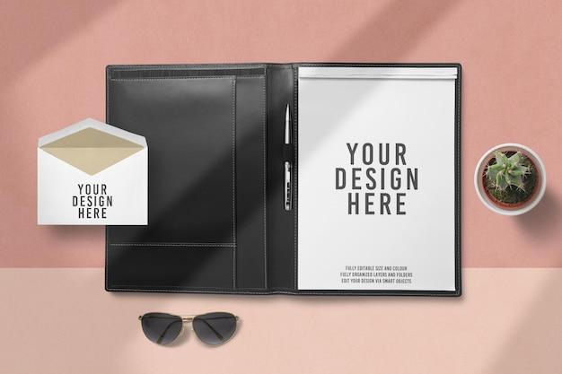 Close-up no design de maquete de portfólio em branco