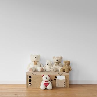 Coleção de ursinho de pelúcia na caixa de madeira