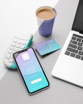 Composição com maquete de aplicativo de pagamento para smartphone Psd grátis