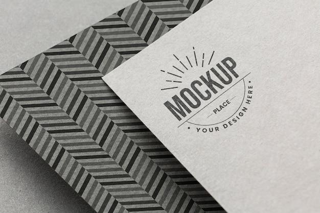 Composição com modelo de cartão de branding da empresa